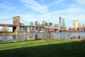 800px-USA-NYC-Brooklyn_Bridge_Park